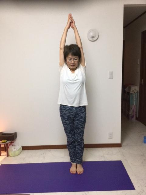 yoga85 (480x640).jpg